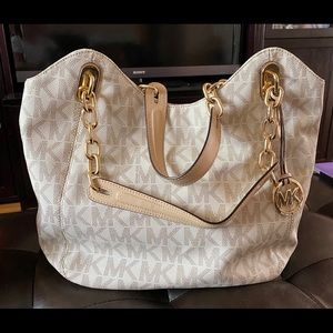 Large Michael Kors Bucket Bag